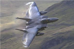 F-15 Eagle high-G turn with leading edge vortices