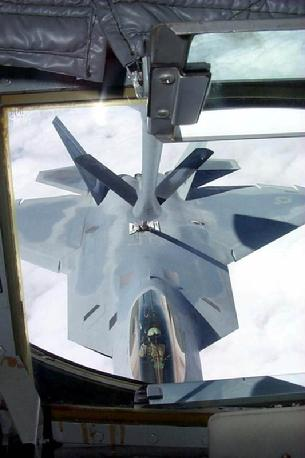 F-22 Raptor being refueled